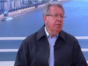 Raul Pont concedeu entrevista ao Jornal do Almoço (Foto: Reprodução/RBS TV)