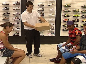 Temporários tentam se manter no emprego (Foto: Reprodução/TV Integração)
