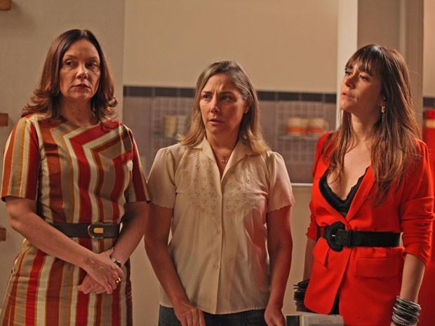 Elísio diz não acreditar que Beatriz está trabalhando para Susana (Foto: Artur Meninea/Gshow)