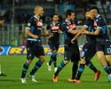 Fora de casa e sem Cavani, Napoli bate Pescara e adia definição do título