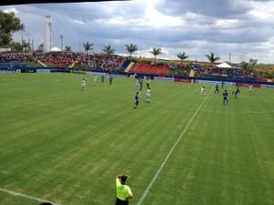 Desportivo Brasil e São Raimundo (RR) se enfrentam pela Copinha, em Tatuí (Foto: Gláucia Souza)