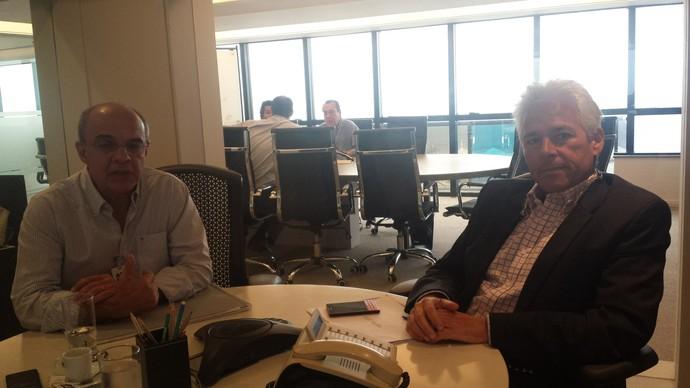 Eduardo Bandeira de Mello e Flávio Godinho, presidente e vice de planejamento do Fla (Foto: Vicente Seda)