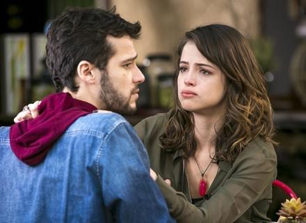 Camila abre seu coração para Giovanni