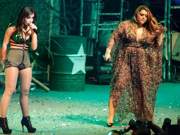 """Anitta e Preta Gil no lançamento da turnê """"Show das Poderosas"""" (Foto: João Pedro Durao e Daniel Scelza/Divulgação)"""