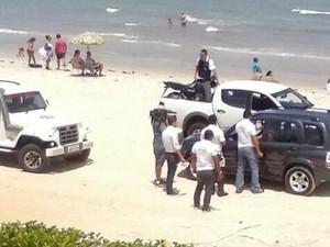 Motoristas são notificados nas areias do litoral potiguar (Foto: Divulgação/Polícia Militar do RN)