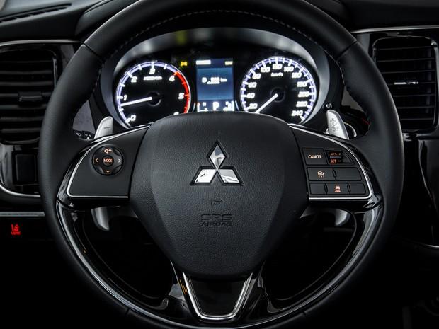 Mitsubishi Outlander 2.2 Turbodiesel 2016 (Foto: Murilo Mattos/Divulgação)