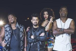 Pâmella Gomes com Dennis DJ, Nandinho e Nego Bam (Foto: Victor Montagner/Divulgação)