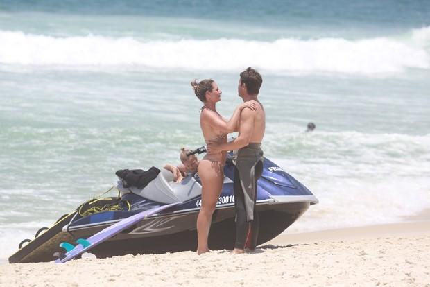 Mario Frias e mulher, Juliana Camatti (Foto: Dilson Silva / Agnews)