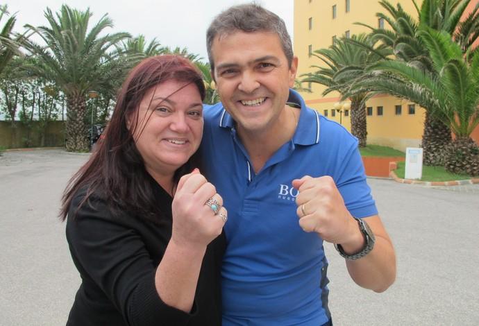 Ricardo e Adelaide, casal fã de Gabriel Medina (Foto: Carol Fontes)