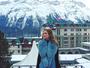 Marina Ruy Barbosa posa com cenário belíssimo de neve ao fundo