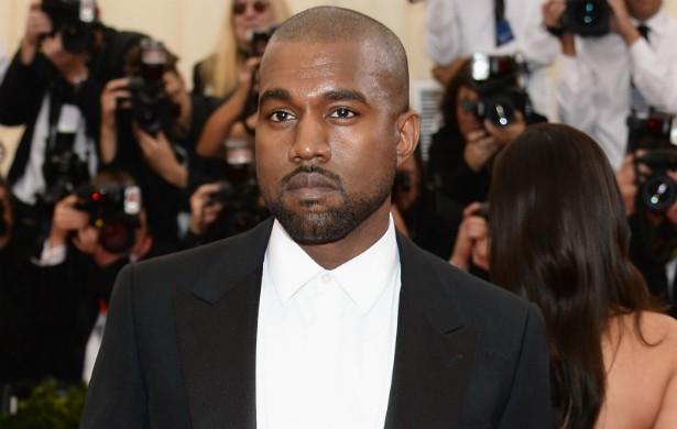Claro que Kanye West tinha de estar nesta lista, né? O confiante rapper tentou entrar de penetra em vários desfiles da Semana de Moda de Paris, em 2011, só por ser famoso. Não conseguiu espiar uma passarela sequer. (Foto: Getty Images)
