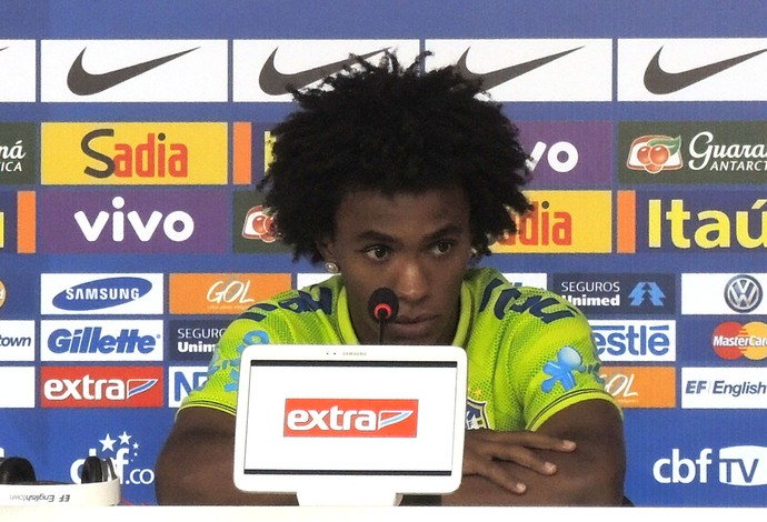 Willian Coletiva Brasil  (Foto: Marcelo Baltar)