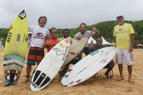 Roberto Pino surfe Fernando de Noronha