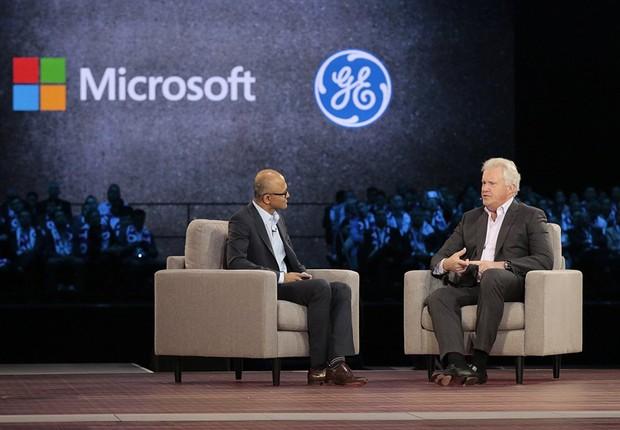 Satya Nadella e Jeff Immelt (Foto: Microsoft)
