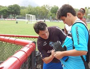 Kleber grêmio treino (Foto: Bruno Junqueira / TXT Assessoria)