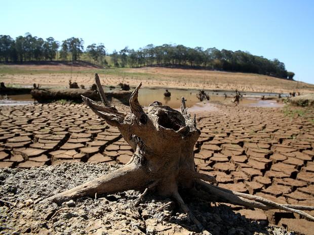 Represa Jaguari-Jacareí na cidade de Vargem, no interior de São Paulo, onde o índice que mede o volume de água armazenado no Sistema Cantareira é de apenas 5,3% da capacidade total. (Foto: Luis Moura/Estadão Conteúdo)