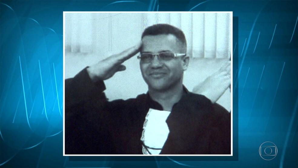 Cabo foi baleado na cabeça quando tentava ajudar cunhada durante assalto (Foto: Reprodução/TV Globo)