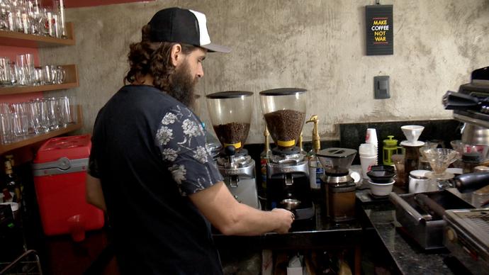 Vagner é dono de um café em Jardim da Penha (Foto: Divulgação / TV Gazeta ES)