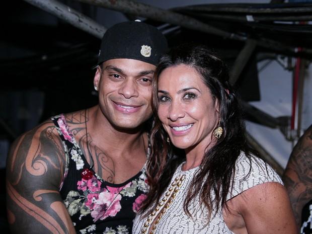 Tony Salles e Scheila Carvalho em show em Salvador, na Bahia (Foto: Raphael Castello/ Ag. News)