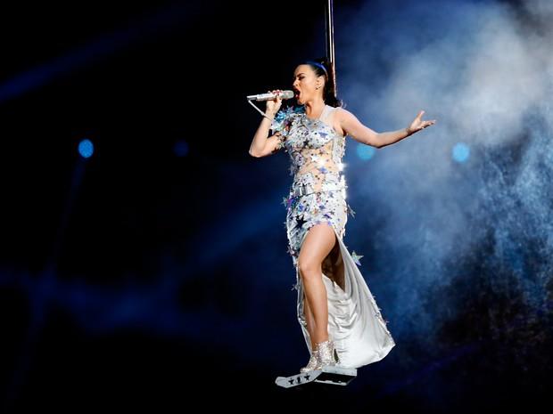 Katy Perry canta no Super Bowl em Glendale, no Arizona, nos Estados Unidos (Foto: Kevin C. Cox/ Getty Images/ AFP)