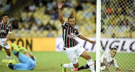 alto  nível (André Durão)