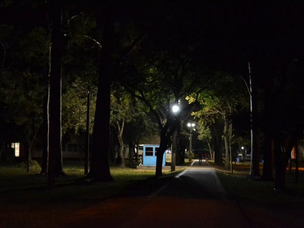 Local onde aconteceu tentativa de estupro na Ufes. Foto tirada às 20:30, dois dias depois do acontecimento (Foto: Viviane Machado/ G1)
