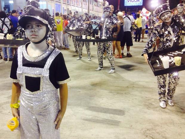 Comissão de frente da Inocentes de Belford Roxo (Foto: Thiago Brandão/G1)