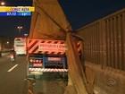 Após acidente, trânsito é liberado em pista da BR-116 em Canoas, RS