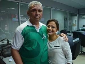 Evandro ao lado da apresentadora Elyerge Paes (Foto: Jorge Abreu/Rede Amazônica)
