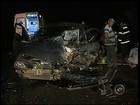 Motorista e criança de 7 anos morrem em colisão frontal em Assis