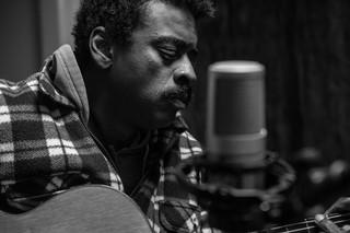Seu Jorge grava participação no 'Studio62' (Foto: Sabrina Leite/Okent Films)