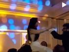 Marina Elali se casa com direito a dança das cadeiras com os noivos