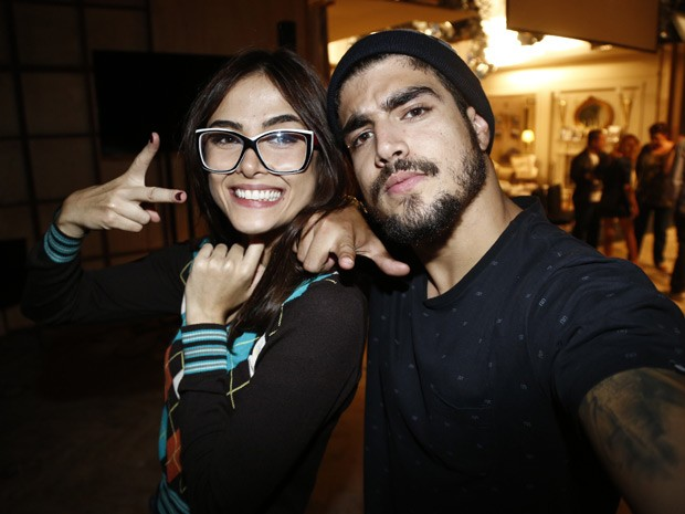 O casal faz caras e bocas para as lentes do Gshow (Foto: Caio Castro/Gshow)