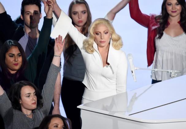 Lady Gaga fez uma tocante performance  (Foto: Getty Images)