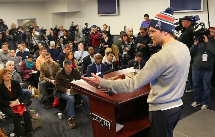 Tom Brady coletiva New England Patriots (Foto: Boston Globe / Getty Images)