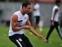 Santos muda de ideia e quer renovar contrato de Ricardo Oliveira
