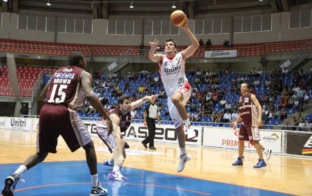 Ala Luis Gruber, basquete Uberlândia (Foto: Divulgação/LNB)