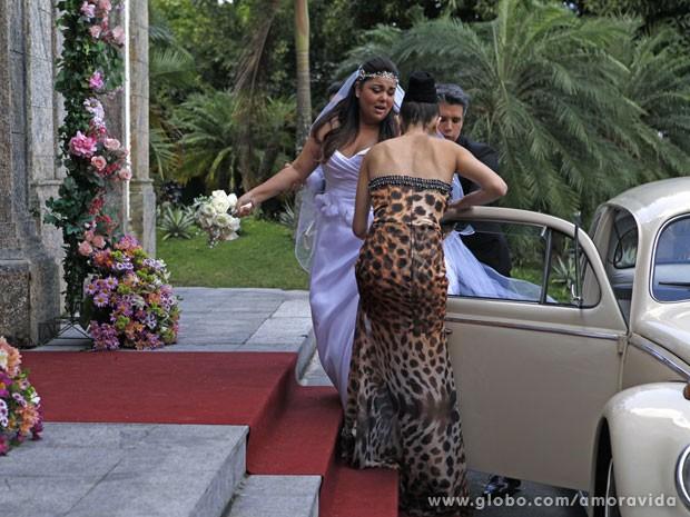 Noiva chegou de fusca, com aquele nervosismo das noivas (Foto: Pedro Curi/TV Globo)