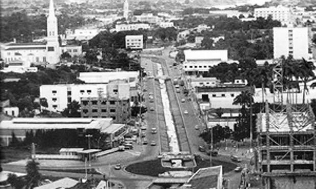 Córrego era navegável e depois de canalizado passou a ser uma das vias que ajudaram no desenvolvimento da região central (Foto: Reprodução)