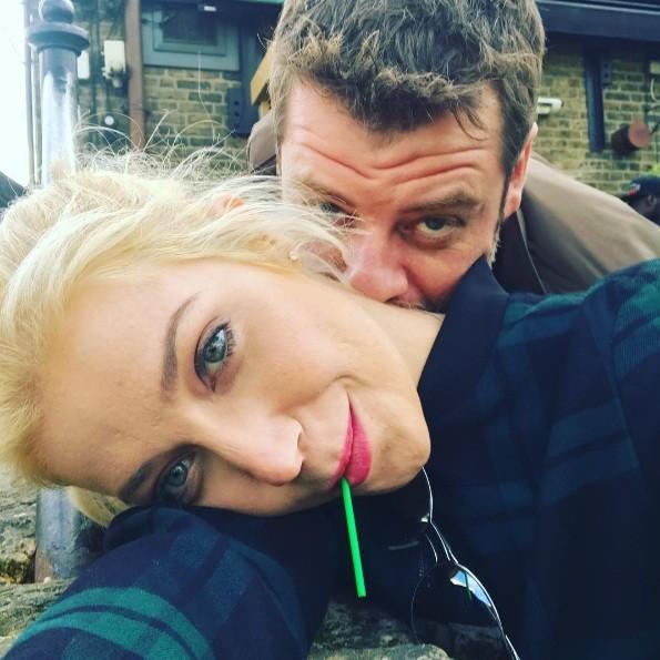 Luiza e Cris: lua-de-mel (Foto: Reprodução Instagram)
