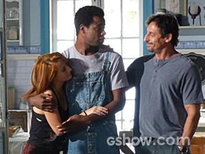 Frédéric recebe o apoio da família (Foto: Malhação / TV Globo)