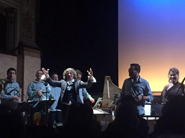 Conductor Simone Toni. (Foto: NATASHA COWAN)
