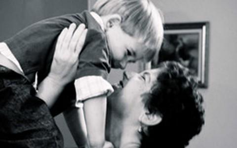 Mãe com 40 anos: maternidade surpresa e carreira sem culpa