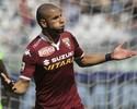 Barça pode contratar lateral brasileiro para o lugar de Daniel Alves, diz jornal