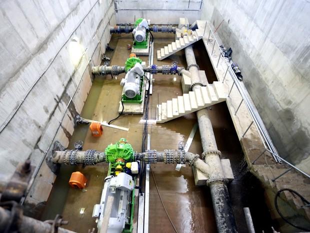 Sistema de bombeamento da adutora do Pirangi em Catende (Foto: Aluísio Moreira/Divulgação )
