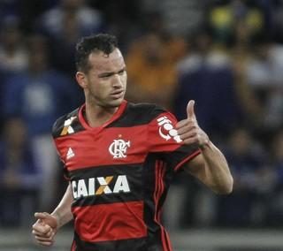 Réver gol Flamengo Cruzeiro (Foto: THOMAS SANTOS/AGIF/ESTADÃO CONTEÚDO)