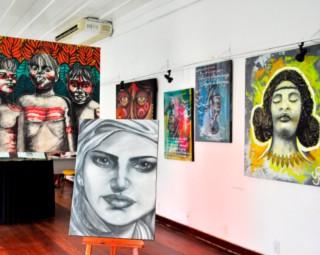 Exposição reúne obras em grafite, caricatura e muralismo (Foto: Wagner Gusmão/ Assessoria PMAR)