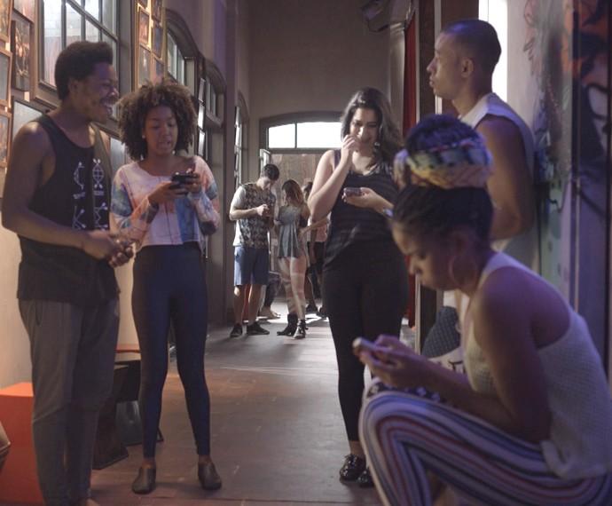 Bafão virtual! Sol recebe críticas de fãs e haters (Foto: TV Globo)