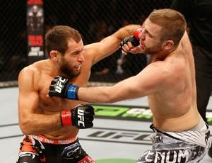 Mairbek Taisumov xTony Christodoulou UFC Suécia 183 (Foto: Josh Hedges / Getty Images)