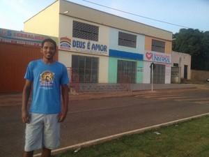 Djean Barbosa diz que sente saudades do antigo Bar do Araújo (Foto: Jesana de Jesus/G1)
